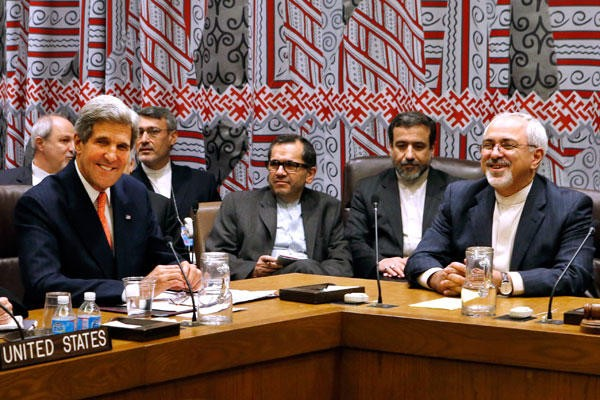 U.S. Secretary of State John Kerry and Iranian Regime Foreign Minister Mohammad Javad Zarif during an earlier session in ongoing nuclear talks. Photo Credit: Christian Science Monitor