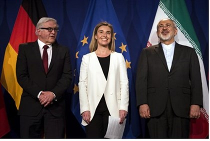 Behind the Deals and Photos Lies a Troubled Iranian Economy