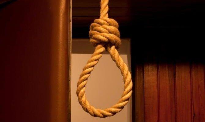 Iran Resorts to More Hangings in Effort to Preserve Mullahs Rule